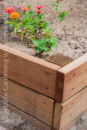 333x500 Strong Raised Bed Corner